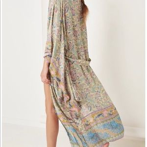 New Spell and the Gypsy Oasis Kimono. M/L